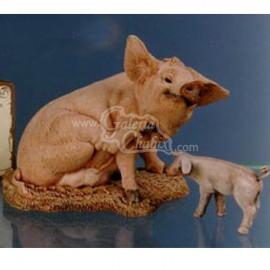 Cerdo recostado con lechón